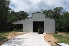 farm-style-bldg-raised-center